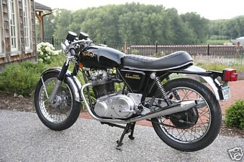 Norton Commando 1974 MKII Roadster 850 01