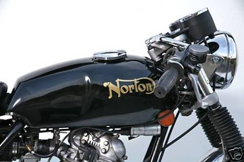 Norton Commando 1974 MKII Roadster 850 05