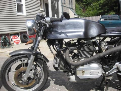 Ducati 860GT 1975 Cafe Racer 02