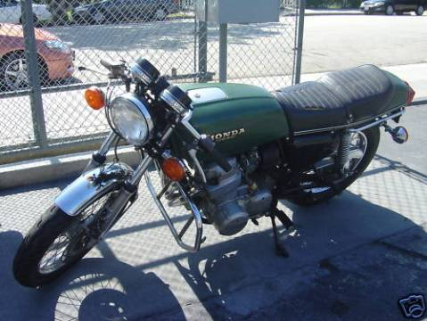 Honda CB750 1975 Cafe Racer Project 01