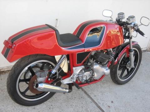 Norton 750 Commando Gus Kuhn Cafe Racer 014