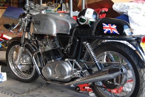 Norton Commando 850 1971 CR 01