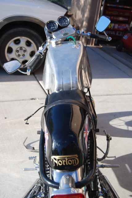 Norton Commando 850 1971 CR 04